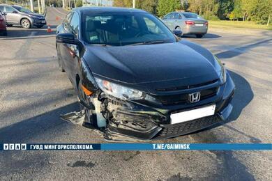 В Минске столкнулись Renault иHonda— пострадал один изводителей