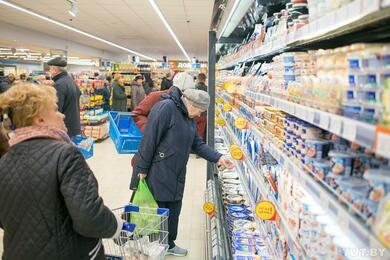 В Беларуси уже несколько лет борются симпортными товарами, аихвсе равно стало больше наполках