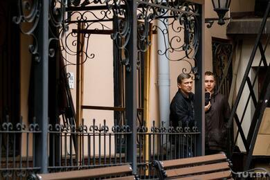Кузнечики год живут впосольстве Швеции. Узнали, как уних дела ичто сполитическим убежищем