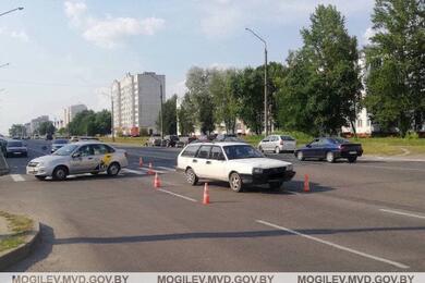 В Бобруйске напереходе легковушка сбила 14-летнего подростка