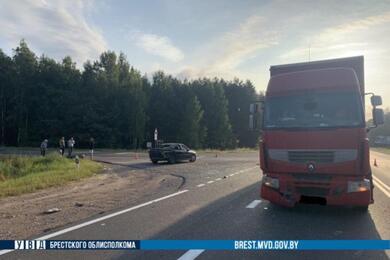 Легковушка ифура столкнулись вДрогичинском районе— пострадали две женщины