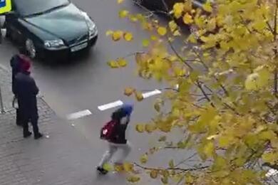 Видеофакт. ВБобруйске Volvo сбила 10-летнего ребенка