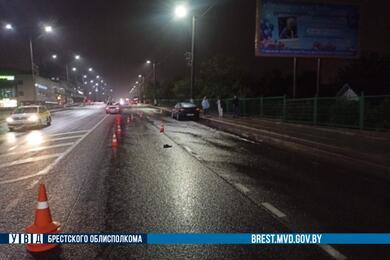 В Барановичах Renault насмерть сбил мужчину
