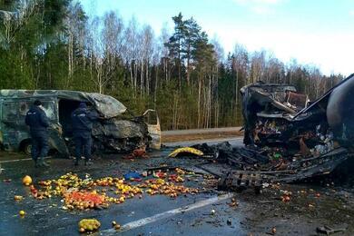 «Дорога непрощает даже мелких ошибок»: СКпоказал фото самых страшных ДТП вэтом году