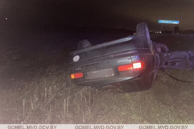 Под Буда-Кошелево Renault врезался вУАЗ иперевернулся накрышу— пострадали три человека