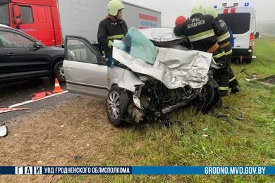 В Слонимском районе Mazda попала под встречную фуру— водитель легковушки погиб
