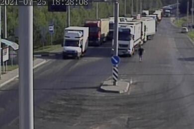 Очереди награнице: выезда изБеларуси вЕС ждет более 1,8 тысячи фур
