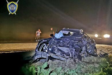 Под Слуцком Toyota влетела вовстречную фуру— один человек погиб, трое пострадали