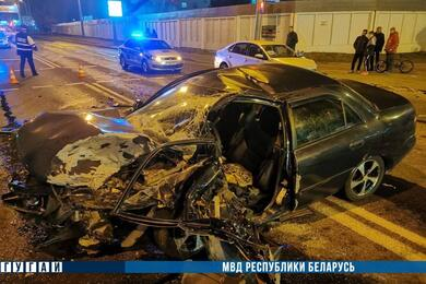 В Гомеле бесправница наMitsubishi влетела вовстречный Volkswagen— пострадали три человека