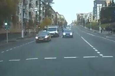 В Витебске 18-летний водитель отказался выходить изавто изажал руку инспектора стеклом