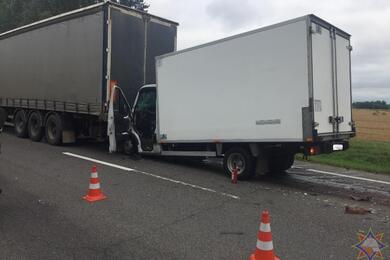 Под Оршей столкнулись два грузовика— потребовалась помощь спасателей