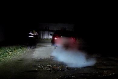 Разбитое стекло, погоня истрельба поколесам: посмотрите, как вМогилеве задерживали пьяного таксиста