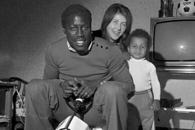 Жан-Пьер Адамс с семьей. Фото Twitter / @sportexpress