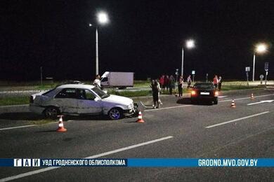 В Гродно 15-летний парень побежал через дорогу вне перехода ипопал под машину. Онпогиб