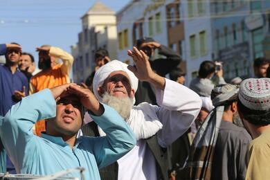 Талибы застрелили мужчину ивывесили его тело наглавной площади Герата. Заявили, что участвовал впохищении людей