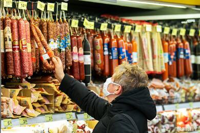 В МАРТ пояснили, почему рванули цены намясо, овощи итопливо