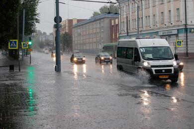 Опять дожди: оранжевый уровень опасности объявлен напятницу