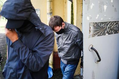Силовики пришли собысками кпенсионеркам, которых ранее судили зачтение белорусских книг вэлектричке
