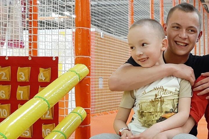 Максим с младшим братом Иваном