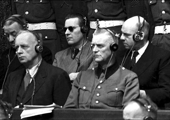 И. фон Риббентроп, Б. фон Ширах, В. Кейтель, Ф. Заукель на скамье подсудимых. Фото: wikipedia.org